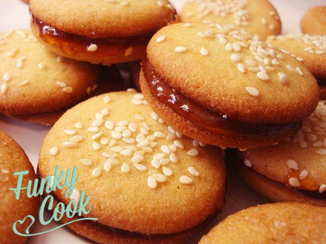"""Μυρωδάτα και πεντανόστιμα γλυκά βουτήματα """"πανέτοιμα"""" για βουτιές σε γάλα, τσάι ή κακάο!"""