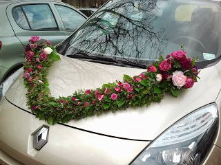 Girlanda na ślubne auto.