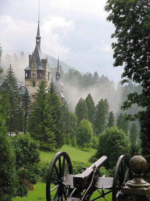 Peles Castle , România