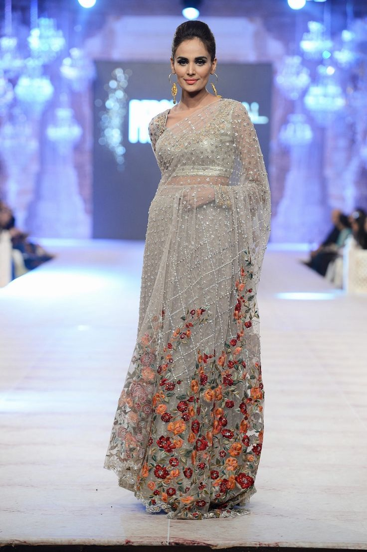 Sania Maskatiya, PFDC Loreal Paris Bridal Week, Oct 2014. https://www.facebook.com/nikhaarfashions