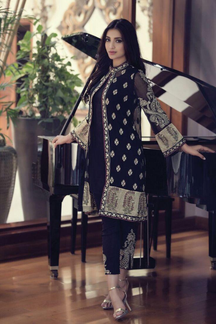 luv this black dress#gorgeous