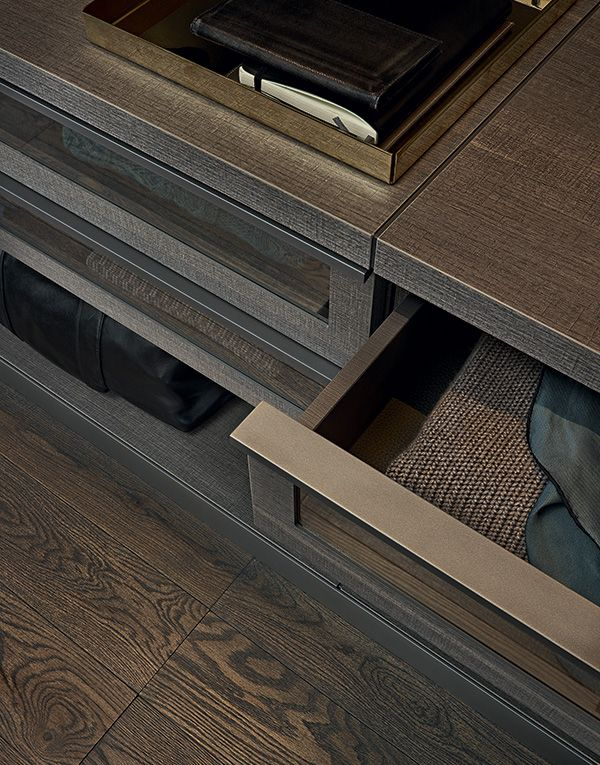 Detail of the drawer with piombo painted Track handle.