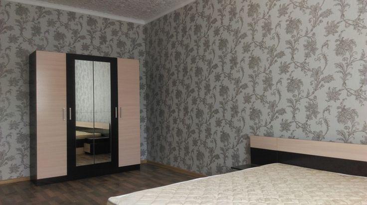 Предлагаем для долгосрочной аренды в Ставрополе  1 - комнатная квартира по адресу Рогожникова 27/8,Изумрудный город, ремонт косметический,кухня эконом, кухонный гарнитур, 2-х спальная кровать, новая мебель, общей площадью 36 кв.м, дом Новый кирпич, Индивидуальное отопление, Газ-плита, наличие бытовой техники - стиральная машина (+), холодильник (+), телевизор (-),парковка огороженный двор, номер объявления - 34749, агентствонедвижимости Апельсин. Услуги агента только по факту…