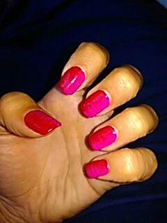 Red pink drag marble nailart