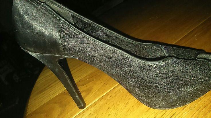 Beautifal Aldo nwot  ,peep toe heels  Black floral  prints size 10