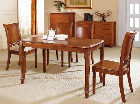 Set Meja Makan Jati Minimalis SMK-004 ini terbuat dari kayu jati berkualitas dengan desain minimalis yang banyak diminati masyarakat.