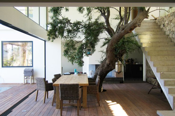 Overdekt terras van vakantievilla in Griekenland. Meer inspiratie is te vinden op www.bnla.nl - BNLA architecten