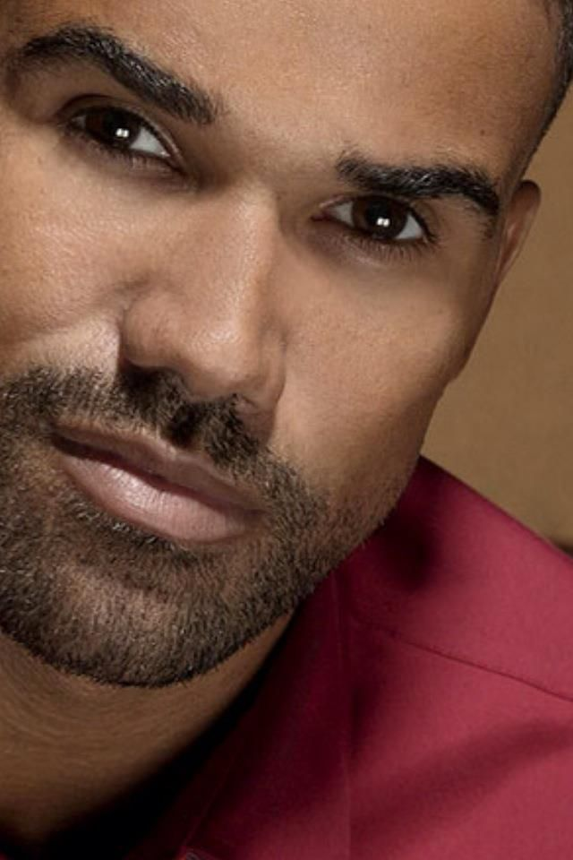 Derek Morgan. Hot damn!!! I love him!