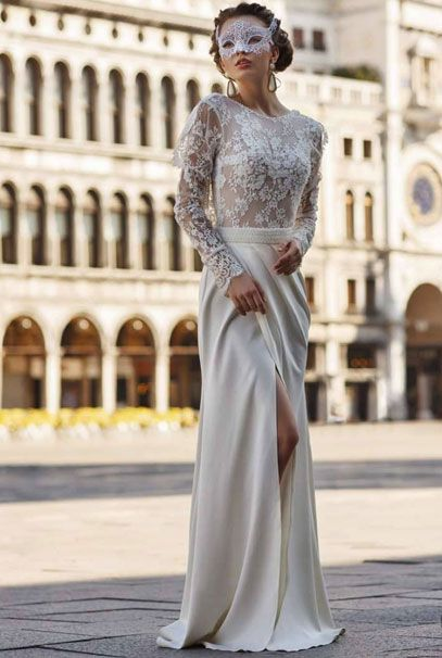 Кружевное свадебное платье с длинными рукавами и открытой спиной