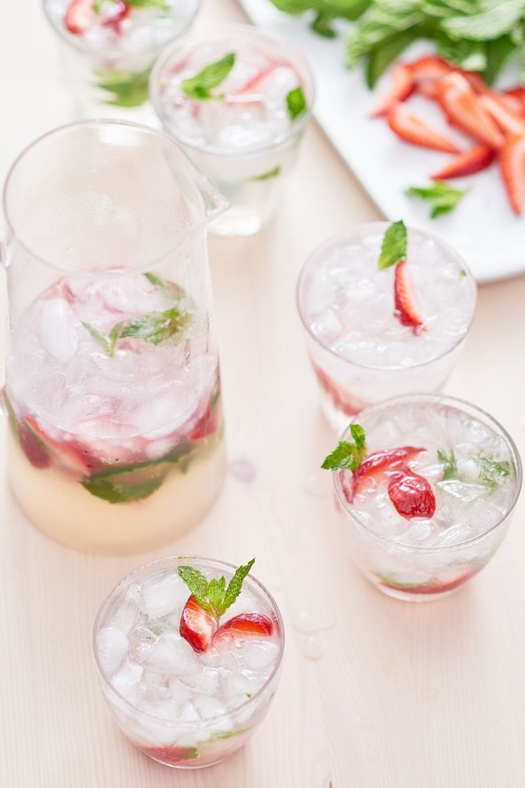 Recipe: Strawberry #mojito Pitcher — Easy Pitcher Drinks