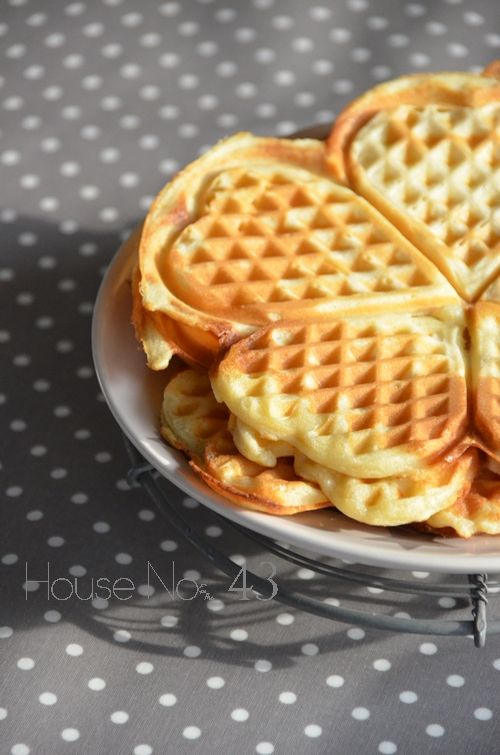 House No. 43: Buttermilch Waffeln - bottermilk wafers