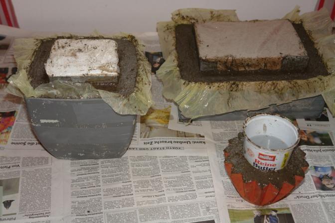 Pflanztröge einfach selbstgemacht -aus einer Zementmischung