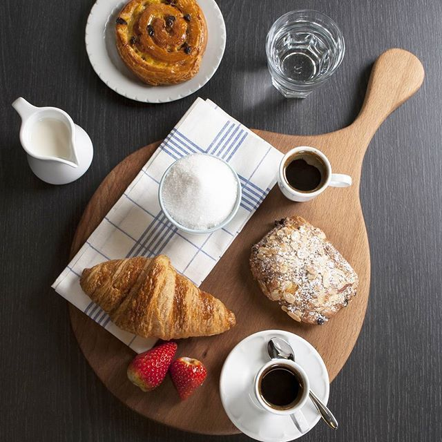 Wooden boards can really enhance your food presentation, be it for breakfast, lunch or dinner! Shop our wooden boards now at www.hughjordan.com! #Food #Rustic #Serving #Display #Food #Coffee #Flatlay