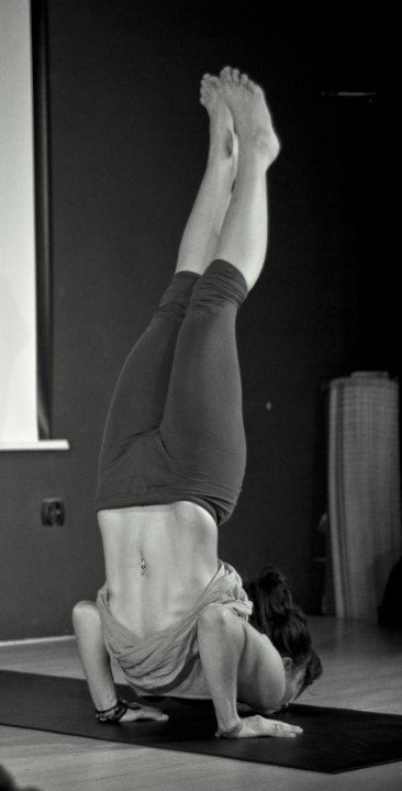 ganda bherundasana (by moniabo) | Loved and pinned by www.downdogboutique.com