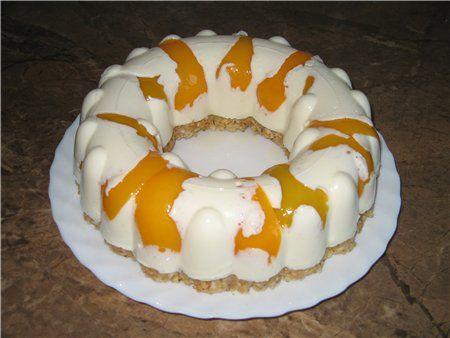 Десерт творожный с персиками