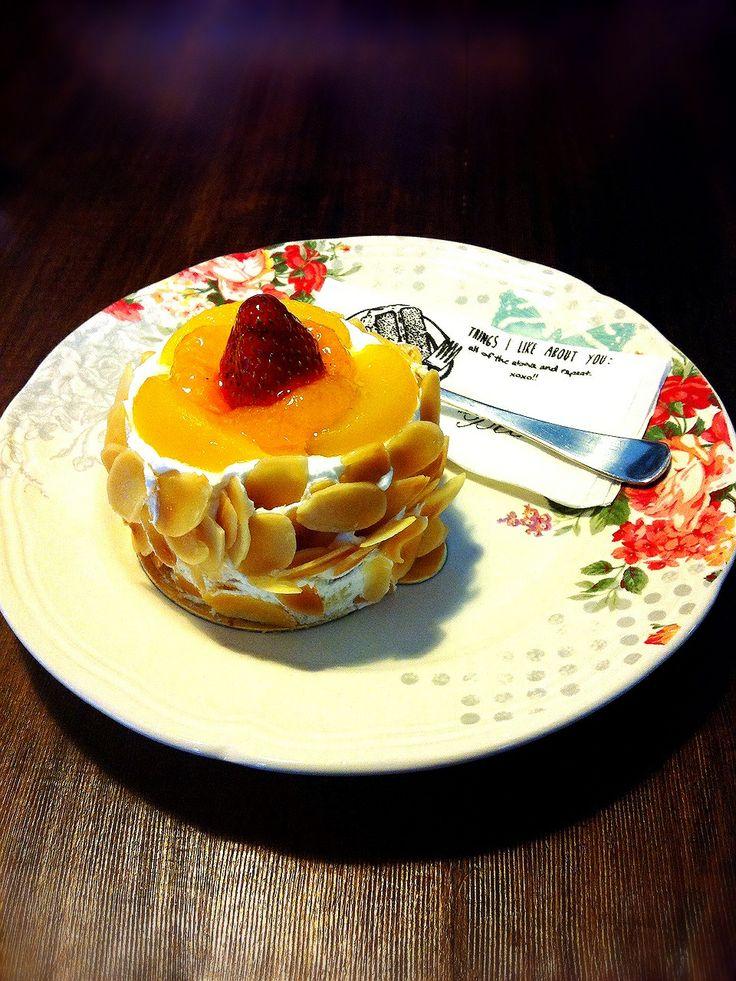Fruity arancione cake! ❤ #TGIF #happiness