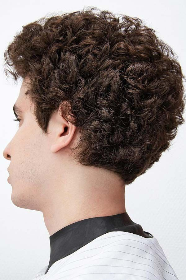 Top Curly Hairstyles For Men To Suit Any Occasion Menshaircuts Com Dry Curls Curly Hair Fade Hair Styles