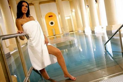 Thermal mineral water bath