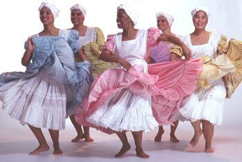 Dance Style Locator:  A growing collection of illustrated descriptions of dance styles from around the world, such as masked dances of Liberia, capoeira (Brazil), kathak (India), Yup'ik Eskimo dance, Afro-Cuban folkloric dance, and hula.