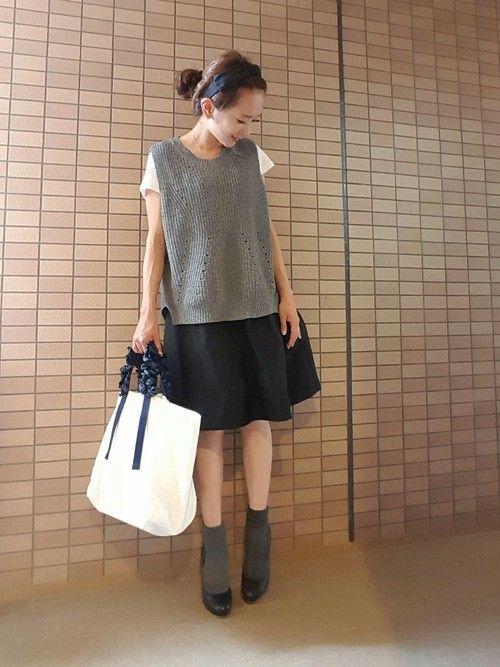 トップスにも重ね着にも大活躍!オシャレさんの秋コーデに【ニットベスト】が大人気! | folk