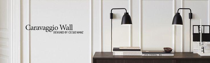 Sänglampa x 2: Caravaggio-_Black_wall_med-tekst-1.jpg