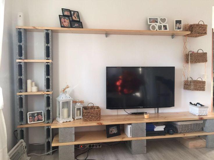 Mueble con bloques de hormigon                              …