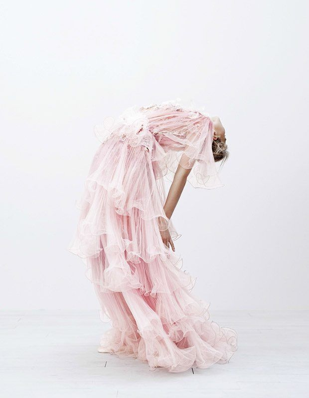 Sasha-Luss-Vogue-Japan-Steven-Pan- (6).jpg
