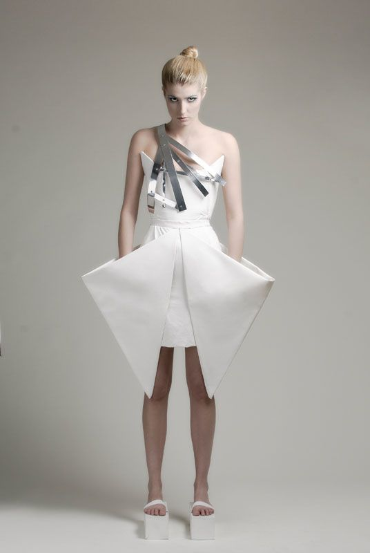 Geometric Fashion with strong shapes & graphic silhouette - sculptural 3D fashion; wearable art // Charlotta Mattsson