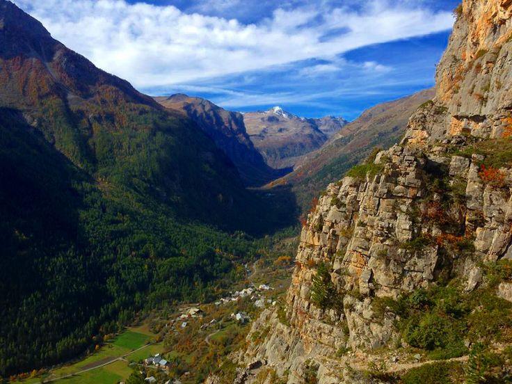 http://www.freissinieres-vallee.com/ La Haute vallée de Freissinières et Dormillouse dans le Parc National des Ecrins