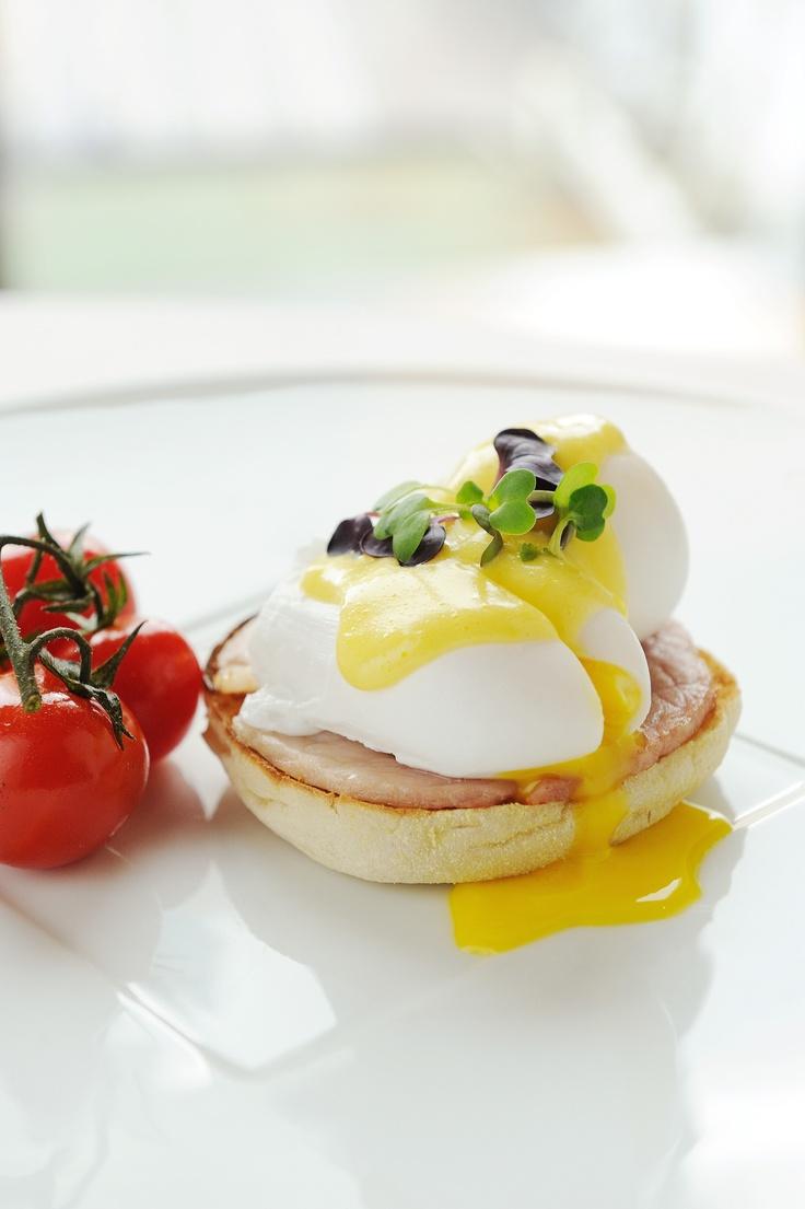 Power breakfast in Mandarin Grill + Bar at @Mandarin Oriental, Hong Kong from Monday to Friday