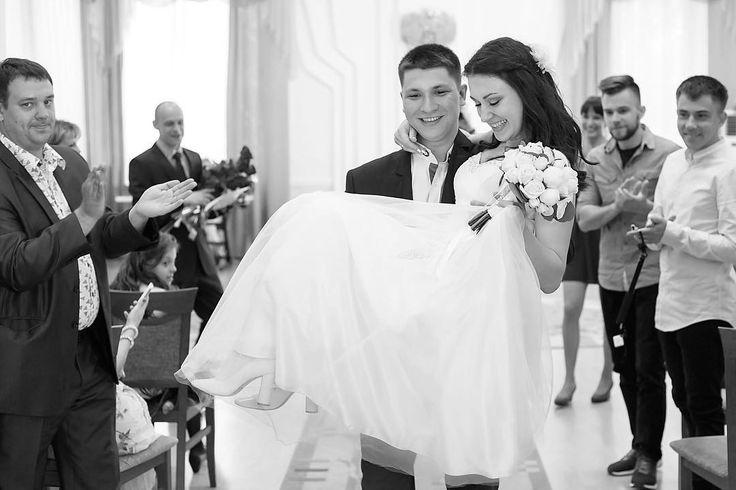 Майский понедельник-самое время планировать свадебное торжество! Есть вопросы-звоните! Консультация бесплатна! #wedding #weddingday #weddingphoto #couple #narofominsk #instagramnf #weddingphotographer #khv #khabarovsk #justmarried #love #хабаровск #москва #нарофоминск #фотограф #фотографвмоскве #фотографнасвадьбу #фотографвнарофоминске #свадьба #свадьбавмоскве #свадебныйфотограф #свадьбавхабаровске #instawedding #instamoments http://gelinshop.com/ipost/1515130783857078719/?code=BUG02ugD3G_
