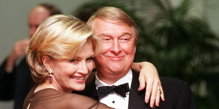 Huffington Post: Nov. 20, 2014 - Journalists send condolences to colleague Diane Sawyer on death of her husband, film director Mike Nichols