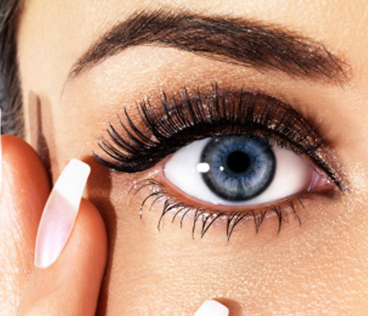 H ξηροφθαλμία μπορεί και επηρεάζει την καθημερινότητα σημαντικά. Επιπλέον, η έντονη ξηροφθαλμία καθιστά τα μάτια πιο επιρρεπή σε μικρόβια, βακτήρια, ιούς και μύκητες που προκαλούν διάφορες λοιμώξεις.  Κατά την επιλογή κολλυρίου βεβαιωθείτε ότι δεν περιέχει συντηρητικά, τα οποία μπορούν να προκαλέσουν αλλεργίες και να επιδεινώσουν την κατάσταση.