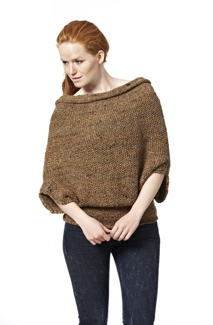 Megaværk - blouse. Knitted in Kabuto from Noro Yarns. The blouse can be worn upside down.