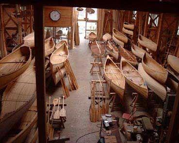 We toured this place when I was in Japan! Naguri canoe shop!  Astillero... dockyard, boatyard, shipyard