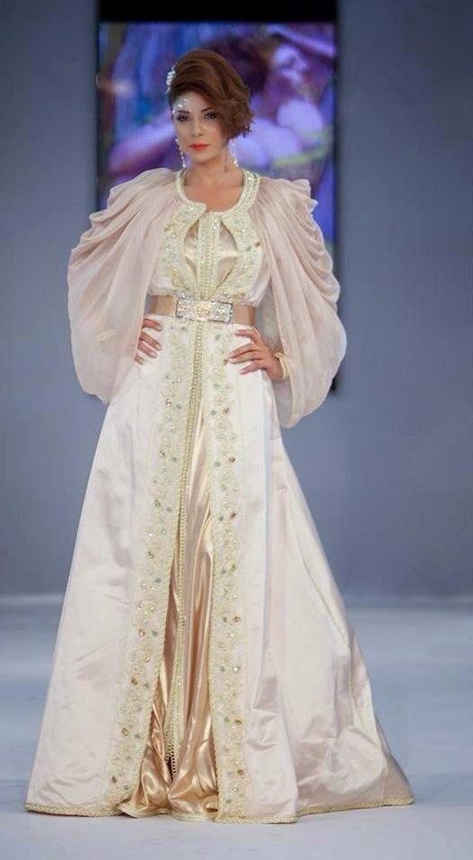 Les 25 meilleures id es de la cat gorie robes de mariage for Boutique de location de robe de mariage dubai