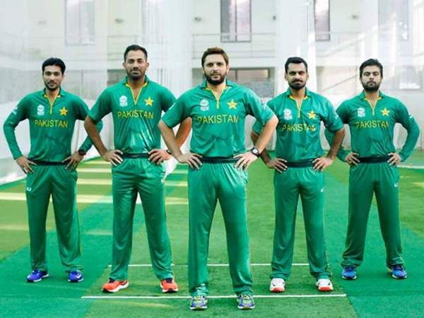 Pakistan Cricket Team Kit in ICC T20 World Cup 2016-17 (7)