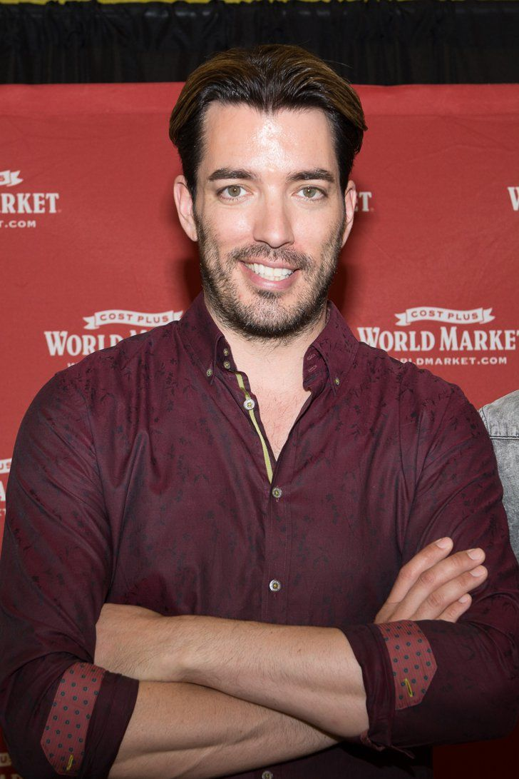 """Pin for Later: 30 Things You Didn't Know About the Property Brothers Jonathan Is Divorced Jonathan was married but is currently single. He told YourTango that he and his ex were """"young and not the right match."""""""
