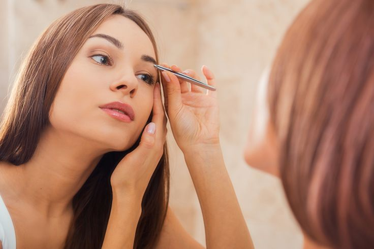 Eyebrow pain reducing tips for the perfect tweezer pluck