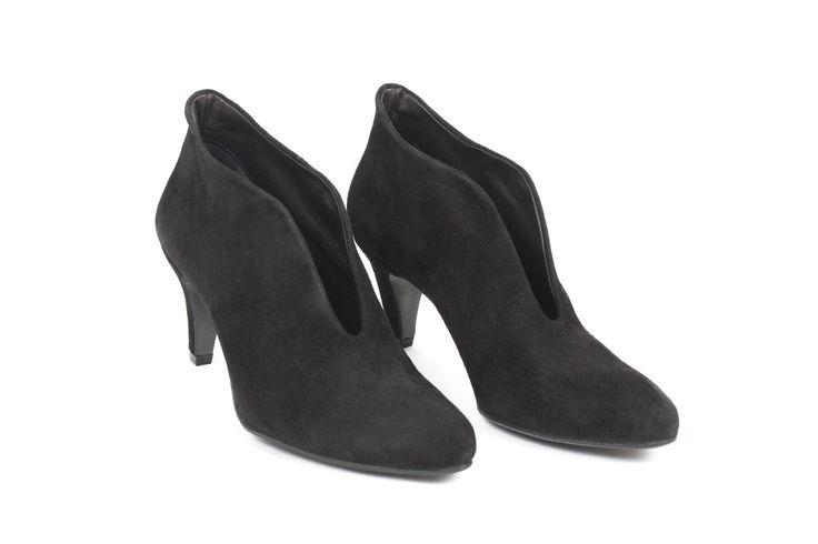 Lenja Heel in Black Goat Suede - The Last Conspiracy