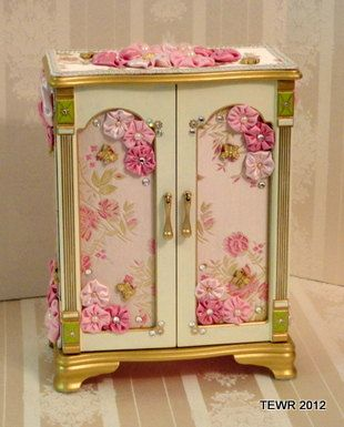 Decorative Jewelry Chest by ForKeepsakesGifts on Etsy, $55.00