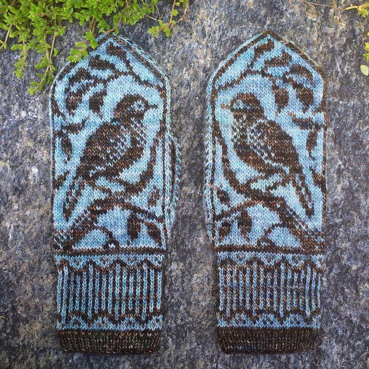 Ravelry: Songbird Mittens by Erica Heusser