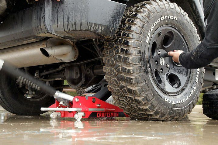 Ten Jeep Repairs You Should Learn - 8. Change a tire