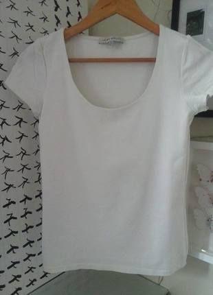 Biała koszulka z dwuwarstwowym przodem i głębokim, ładnym dekoltem Laura Ashley