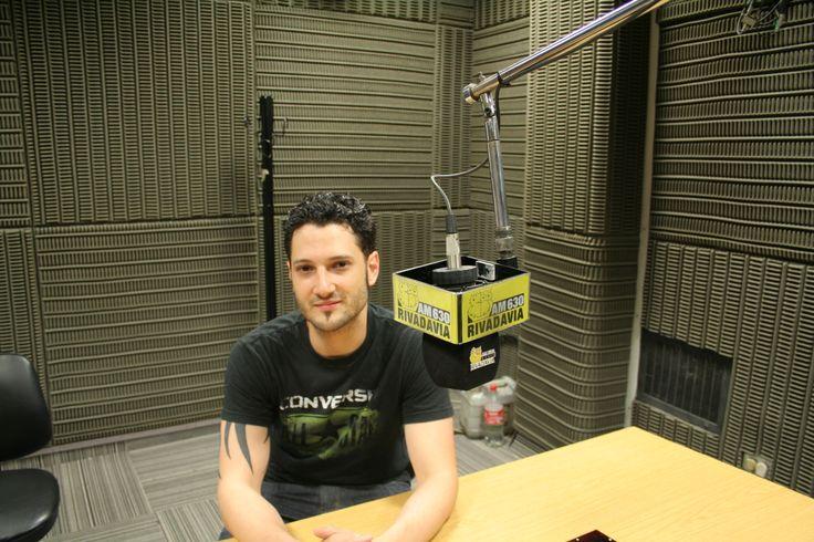 Ale Wasil. Acústico y entrevista en Radio Rivadavia. Enero 2014.