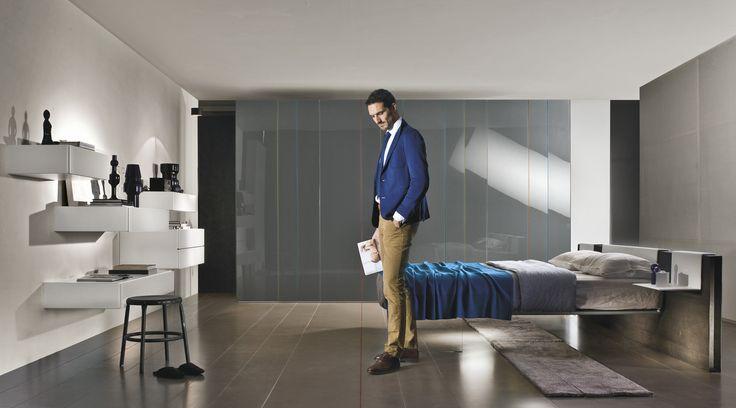 Un letto che unisce la trasparenza del vetro al calore del legno. Scopri di più.