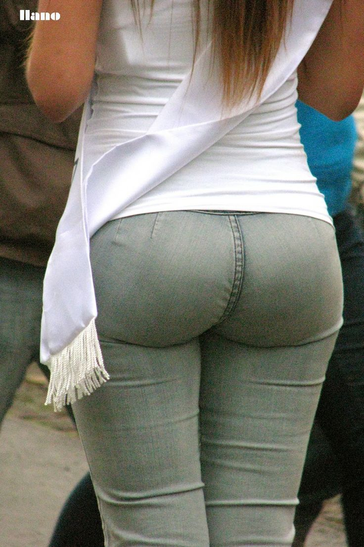 round ass in tight jeans