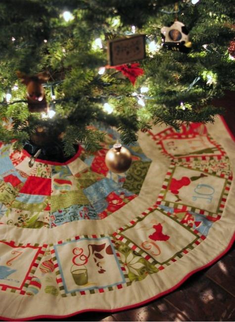 Great Idea For A Handmade Tree Skirt Quilt