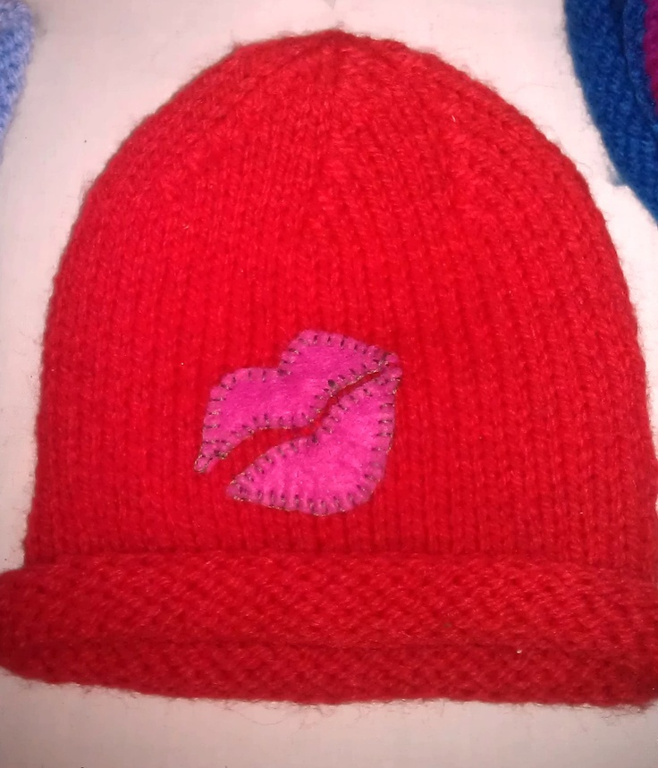 Get this gorgeous hat, so perfect Valentine's present, £8 by Little Knitz