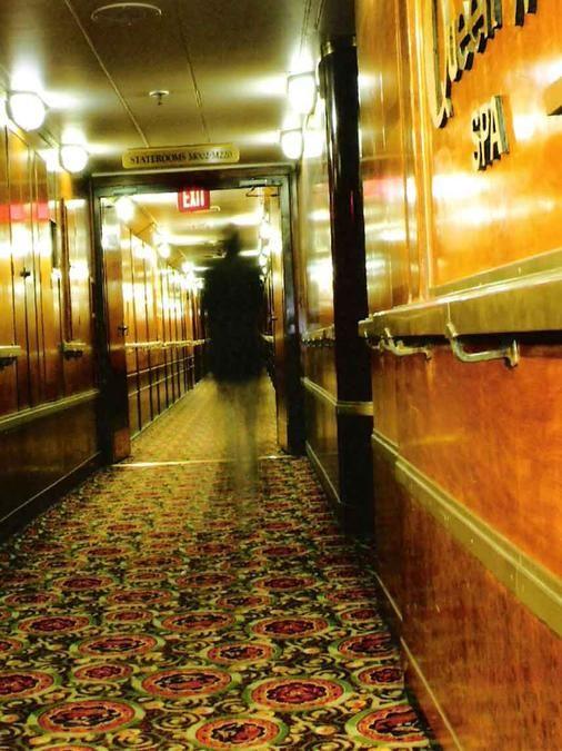 Foto del Barco Queen Mary... La Embarcación Con Más Historias Paranormales Alrededor